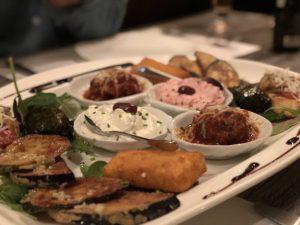 オランダ・マーストリヒトのギリシャ料理・マース川沿いのELLINIKONがおすすめ!